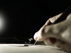El Defensor del Pueblo solicita mayor protección de las personas ciegas a la hora de firmar contratos