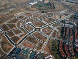Recurso contencioso-administrativo. Caso de segregación de parcelas. Suelos no urbanizables, parcelas no edificables. Acceso rodado