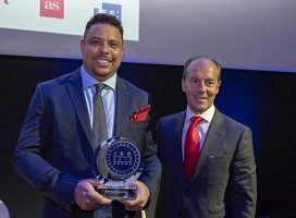 Isde Sports Convention entrega del premio internacional a Ronaldo Nazario #IsdeSportsConvention