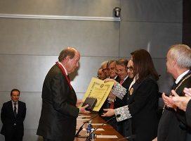 Tomás Sala Franco recibe la Medalla de la Real Academia Valenciana de Jurisprudencia y Legislación