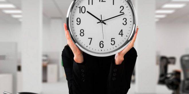 Cumbre en la abogacía para abordar el problema con el registro de la jornada en los despachos