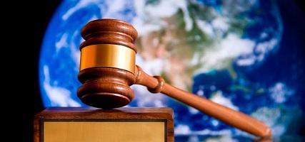 El Supremo condena a casi 50 años de prisión a un ex-profesor por doce delitos de abusos sexuales