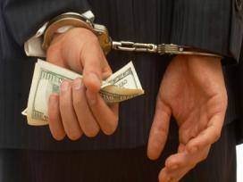 Un abogado habría simulado falsos pleitos judiciales para estafar a un empresario 300.000 euros, se enfrenta a una pena de 6 años de cárcel por estafa