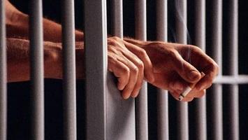 Se revoca la libertad provisional de un acusado por haber perpetrado otro robo