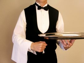 La Audiencia de Badajoz revoca la custodia compartida a un camarero por su extensa jornada laboral