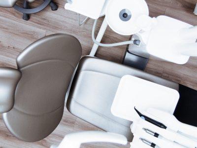 El contrato de suministro de servicios dentales y la aplicación de la legislación de consumo
