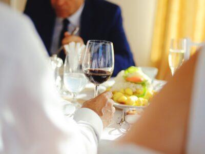 El Supremo confirma que los autónomos podrán deducirse las comidas de trabajo con clientes